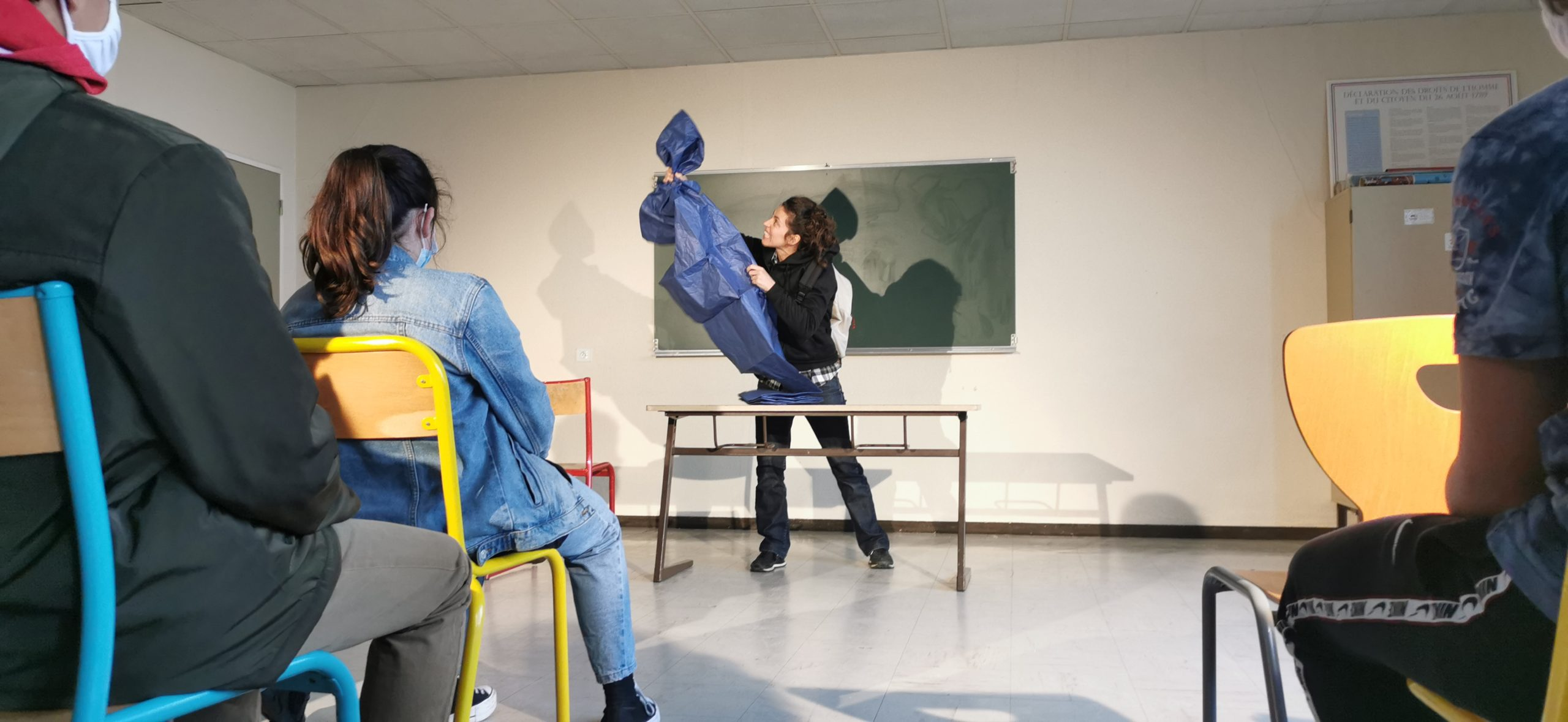 """""""Artiste, c'est le travail que j'ai envie de faire""""… des artistes au collège avec Alexandra Épée et Claire Pouderoux"""