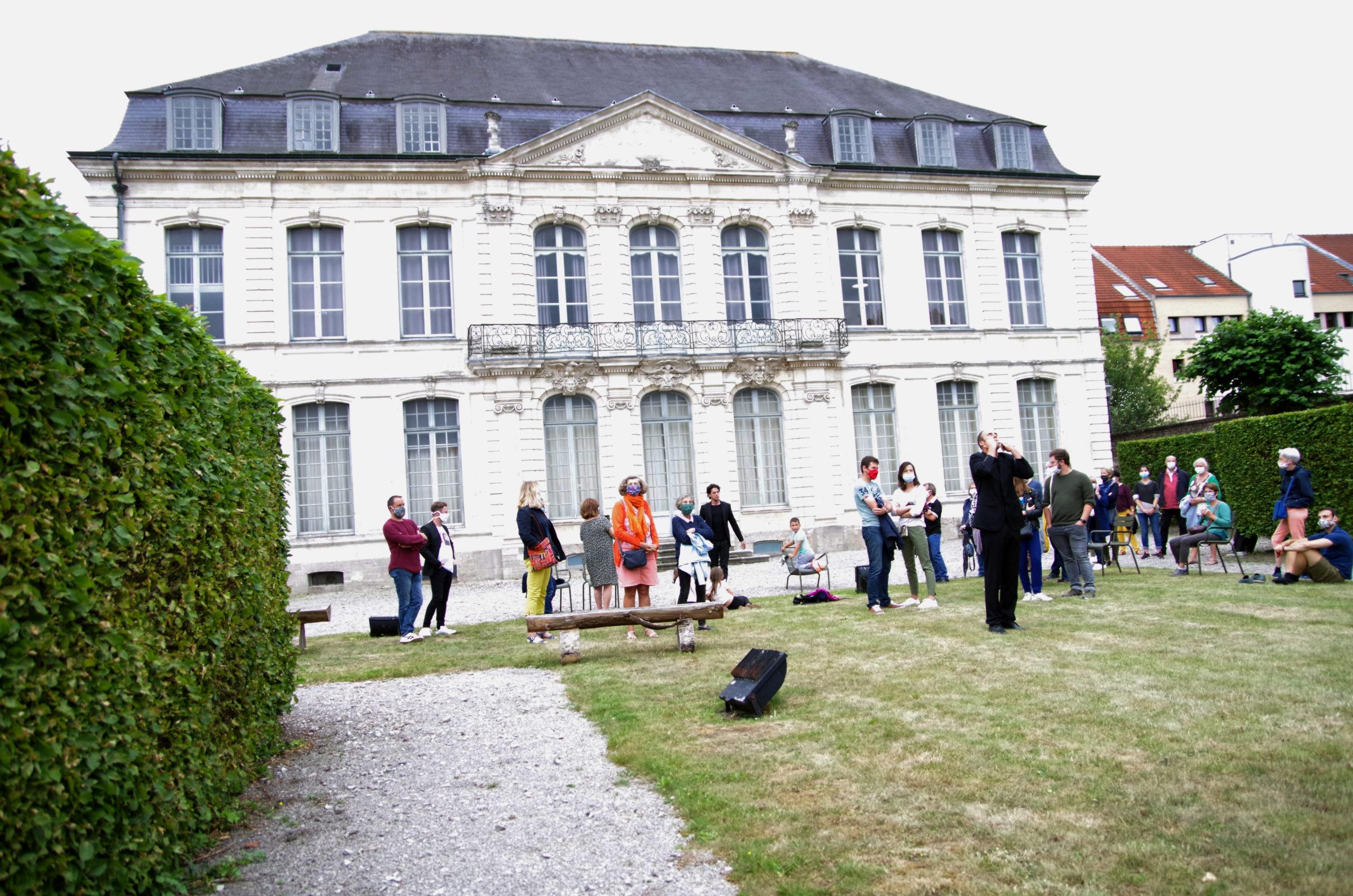 L'hôtel Sandelin accueille les chanteurs d'oiseaux à Saint-Omer